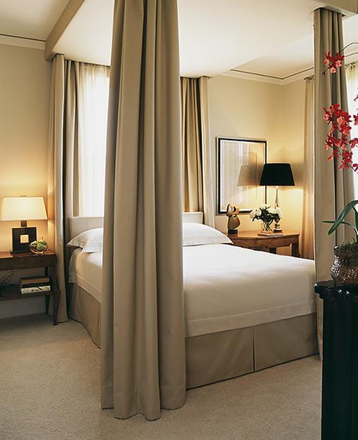 Как должна стоять кровать в спальне по фен-шуй: рекомендации, фото