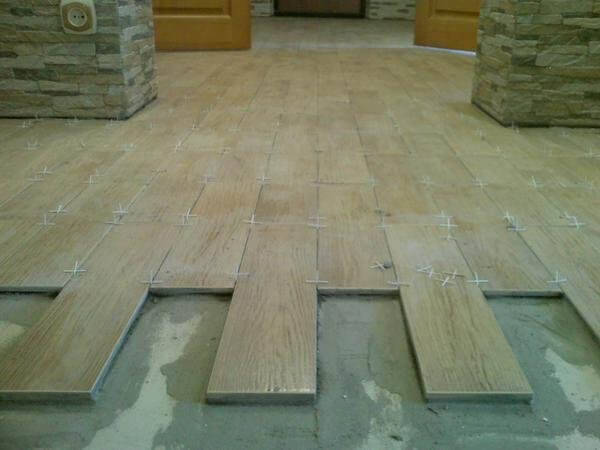 Размеры напольной плитки: большая и маленькая керамическая плитка на пол, ширина длинной, стандартные размеры на фото и видео