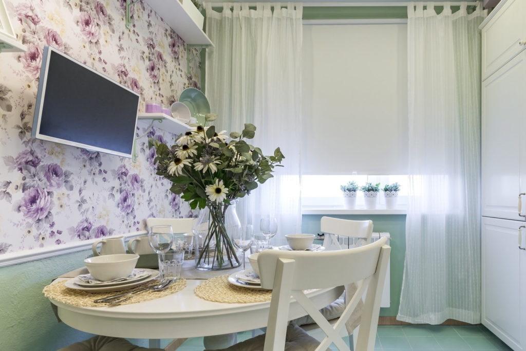 шторы на кухню современные короткие