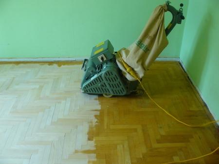 Как самостоятельно циклевать деревянные полы