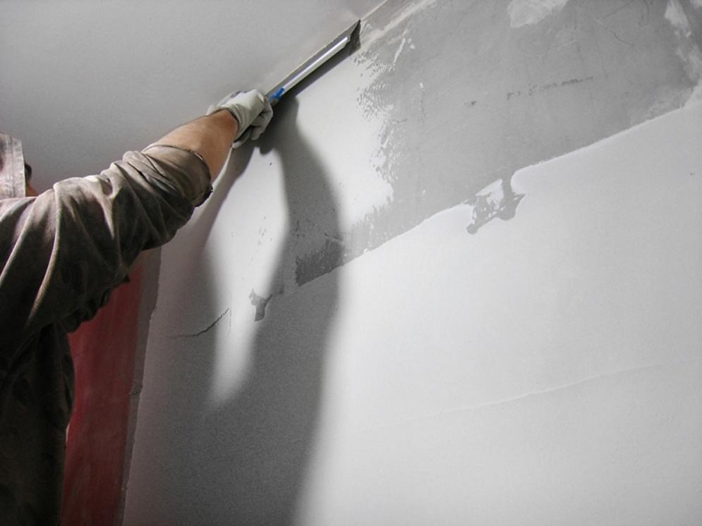 Ошкуривание стен после шпаклевки  способы обработки - все про гипсокартон