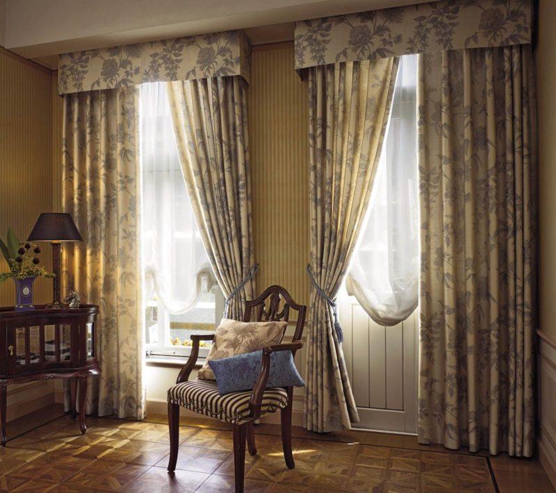 Примеры штор на одну сторону для кухни, детской, гостиной и др.