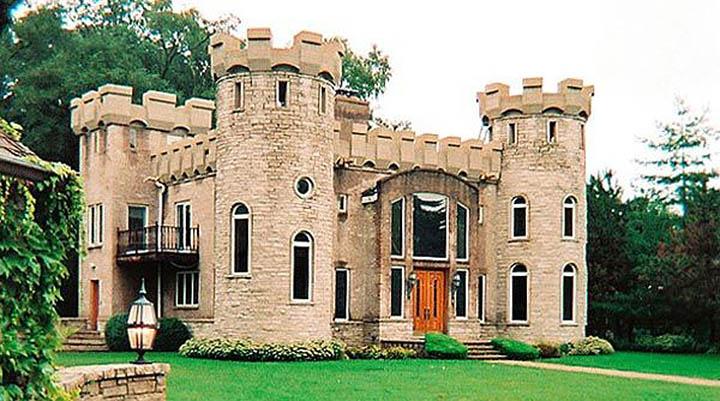 Хотите жить в своем средневековом замке? строительство домов в замковом стиле. все за и против на сайте недвио