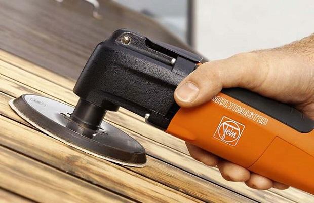 Как удалить лак с деревянной поверхности?