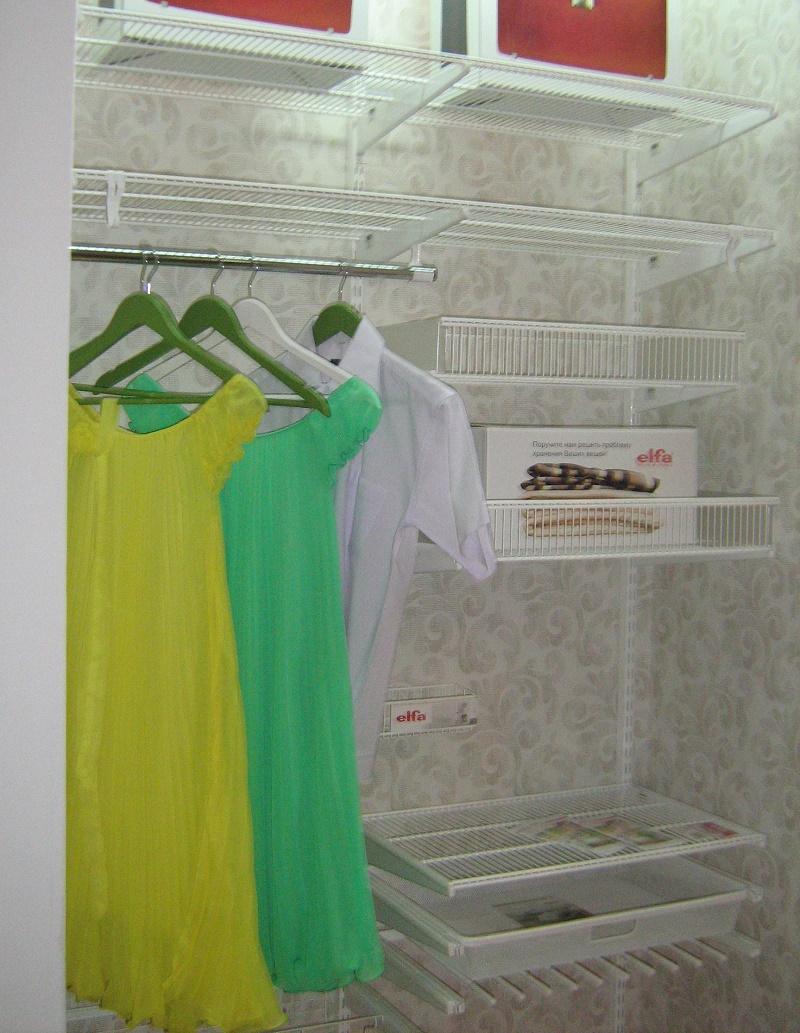 Установка системы хранения вещей в гардеробной: конструктор порядка и 3 варианта
