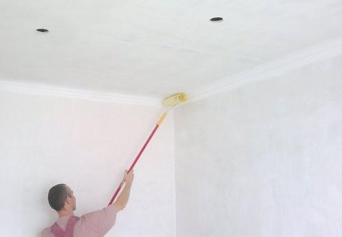 Приготовление раствора для побелки потолка своими руками
