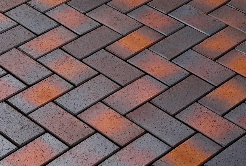 Полимерпесчаная тротуарная плитка: что это, характеристики и кладка