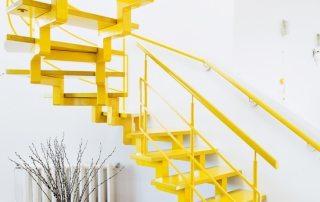 Ворота безопасности для детей на лестницу: виды, как сделать калитку или перегородку своими руками (фото, видео)