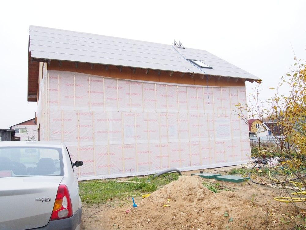 Как построить закрытые беседки для дачи из бруса и других материалов?