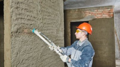 Оштукатуривание машинным способом: все за и против, обзор оборудования и выравнивание гипсовыми, цементными смесями