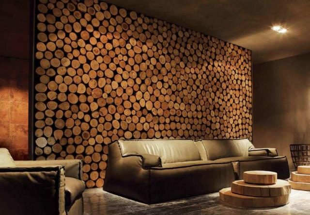 стена из спилов дерева