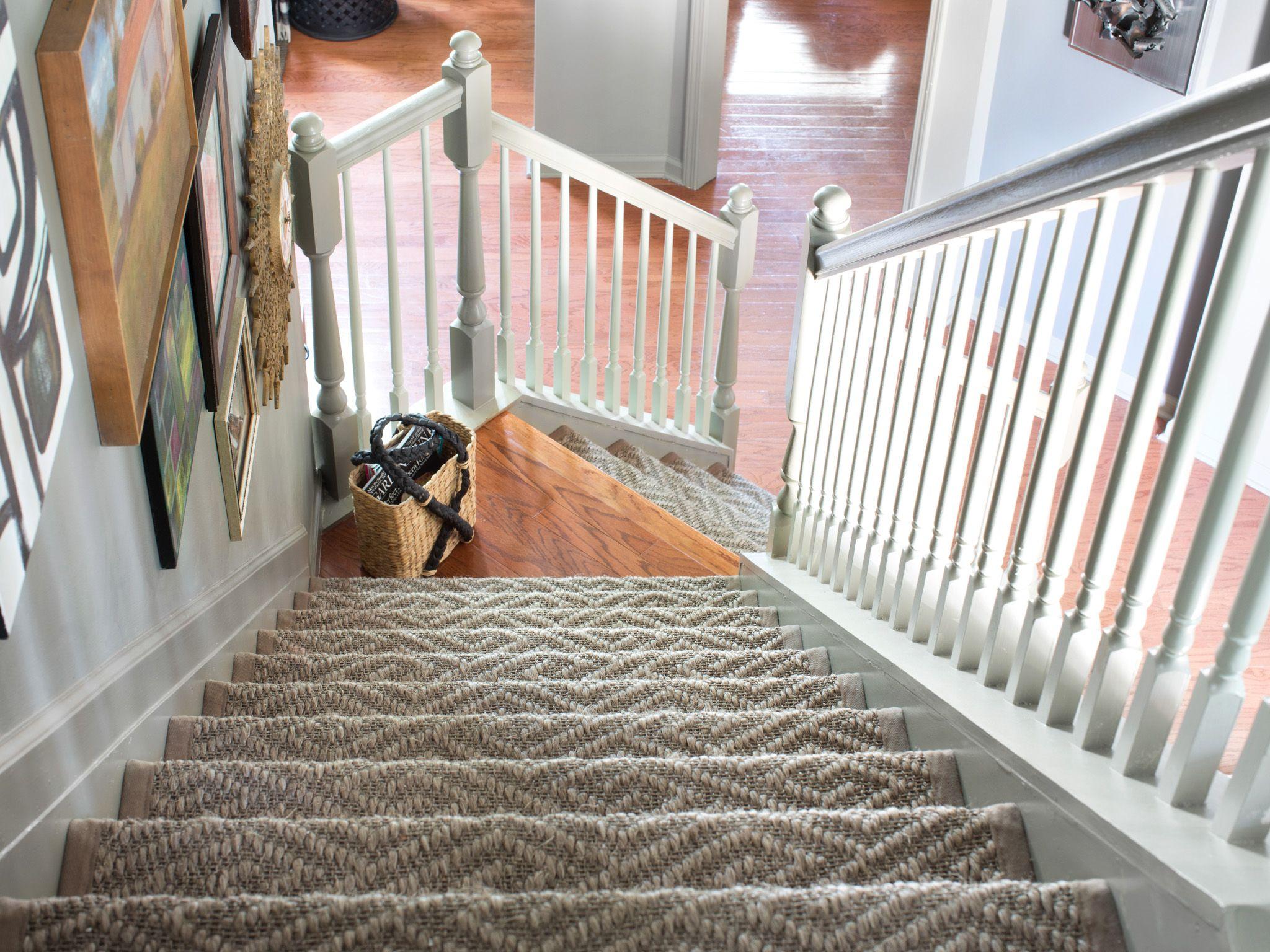 Как и чем покрасить лестницу своими руками: деревянную, бетонную или металическую + фото