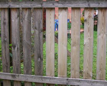 Чем покрыть древесину после отбеливания. отбеливание древесины: технология и порядок работ.