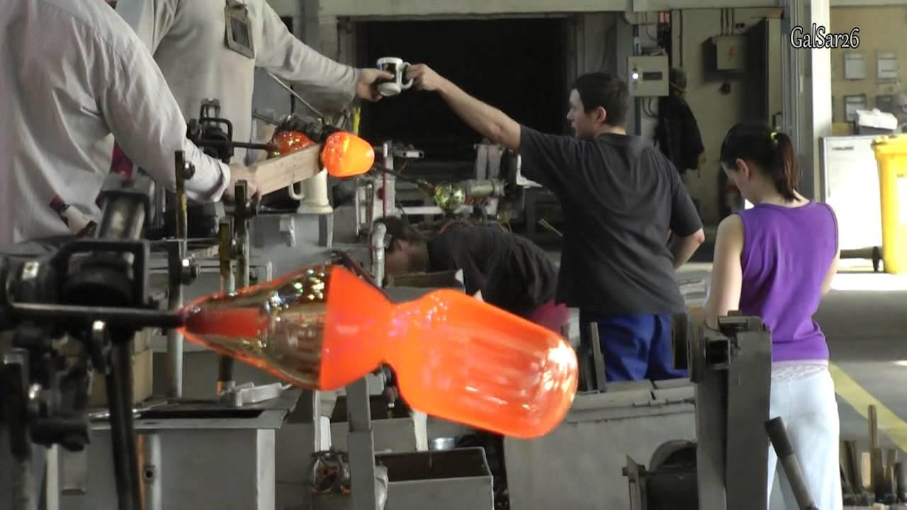 Поделки из стекла своими руками: что можно сделать из стеклянных бутылок, жидкого, битого стекла (фото + видео)