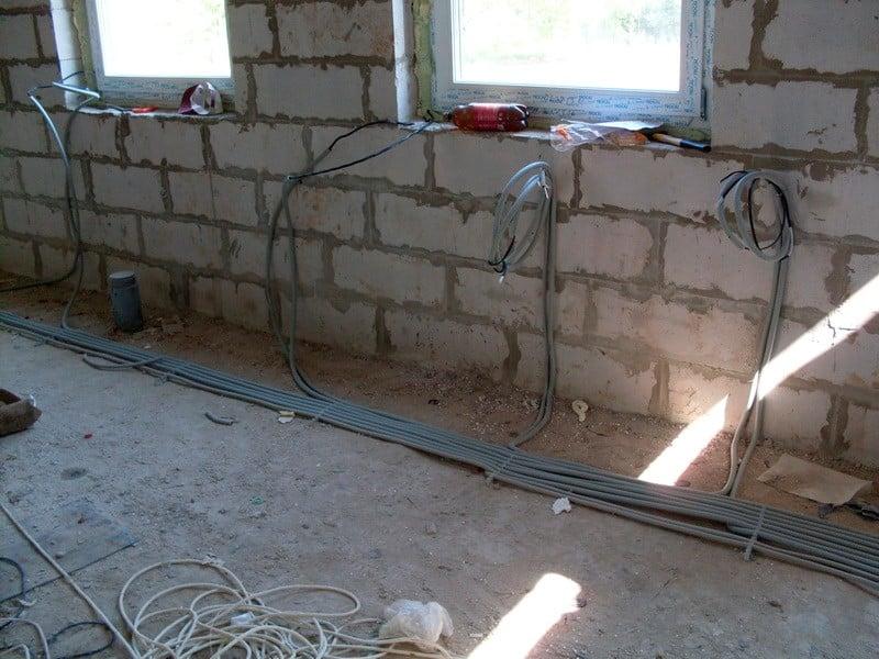 Проводка в квартире своими руками от щитка: схема, замена