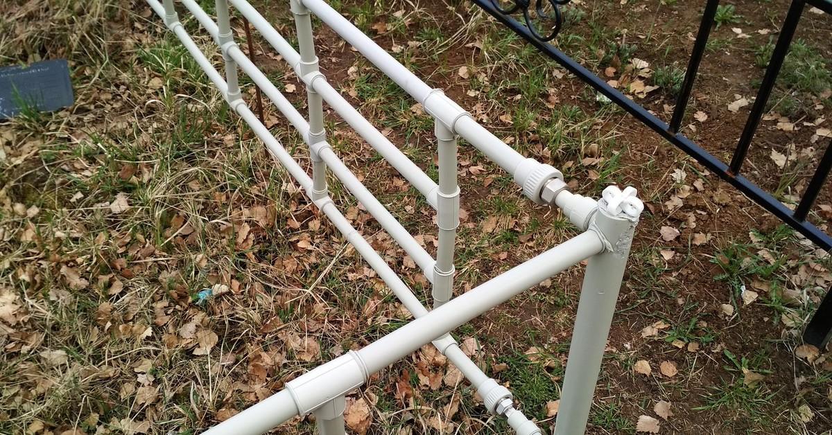 Оградка из профильной трубы своими руками