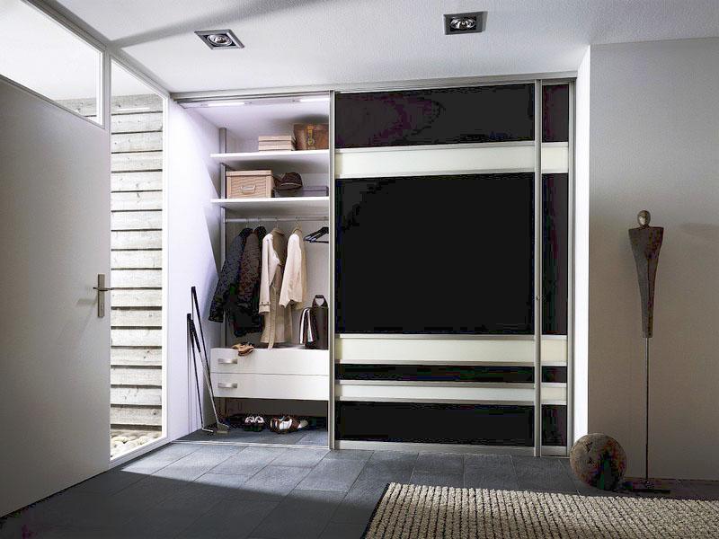 Шкафы-купе: дизайн и разновидности конструкции