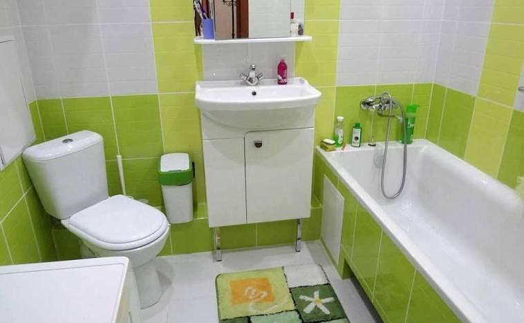 ванная комната с туалетом