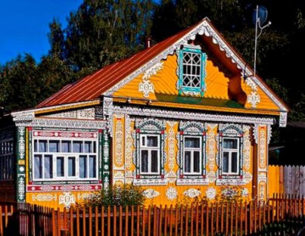 Внешнее и внутреннее убранство русской избы