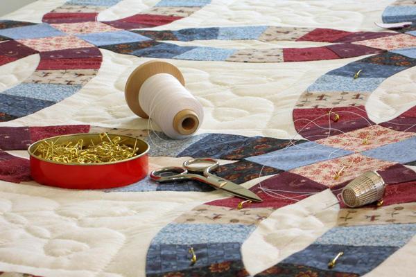 Одеяло своими руками: размеры, слои и материалы, шитье, разные виды (лоскутное и другие)