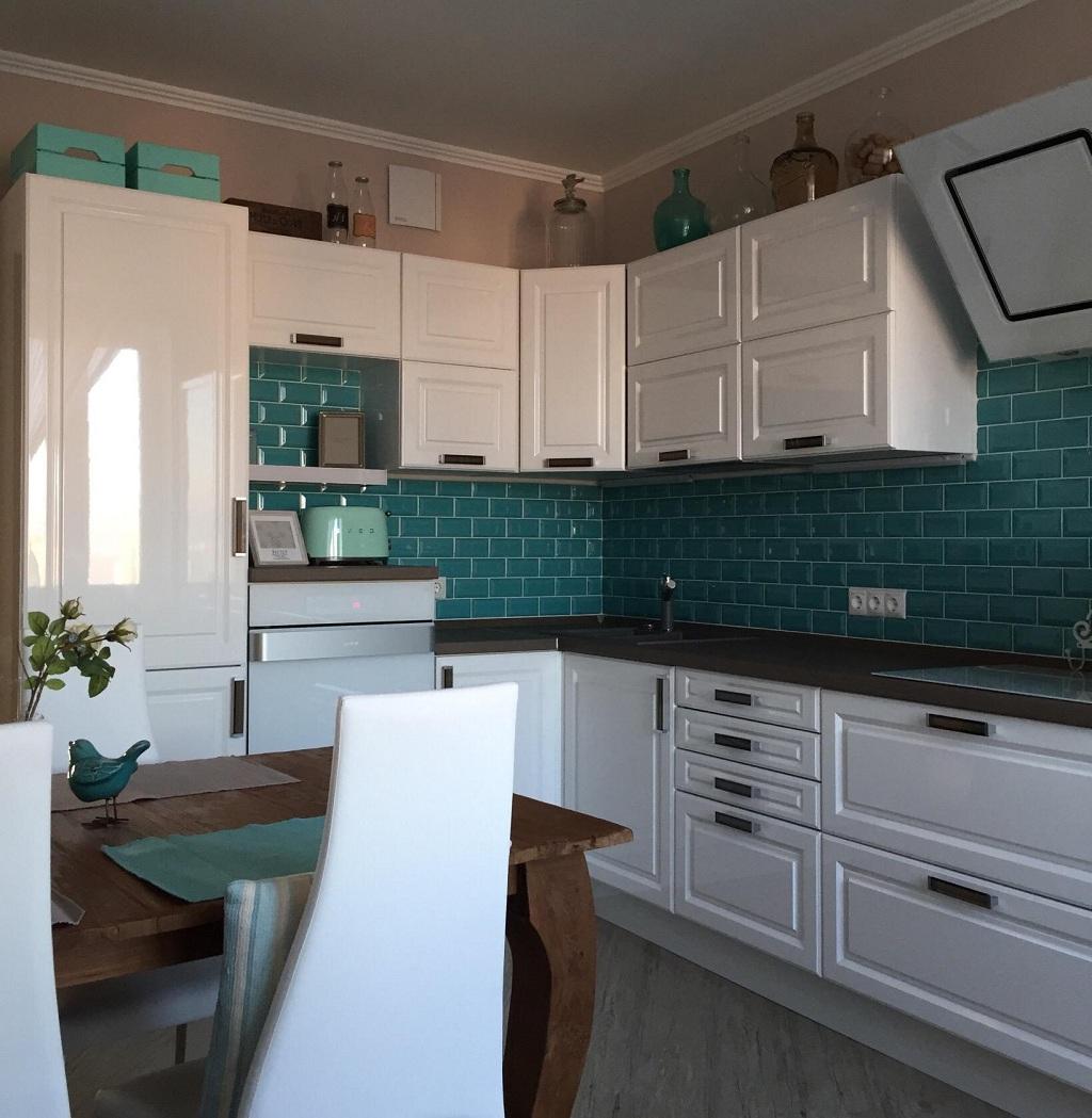 Стеновая панель под кирпич для кухни: кухонная панель в виде белых кирпичиков