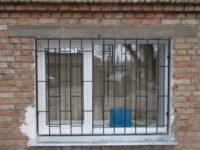 пластиковые решетки на окна