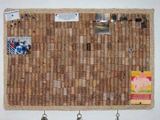 Пробковая доска своими руками: как сделать ее из винных пробок для заметок? доска на стену из подложки по индивидуальным размерам