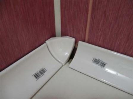 Угловой керамический бордюр