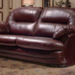 Перетяжка дивана на дому: недорого и практично
