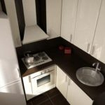 Интерьер и бюджетный ремонт маленькой кухни своими руками
