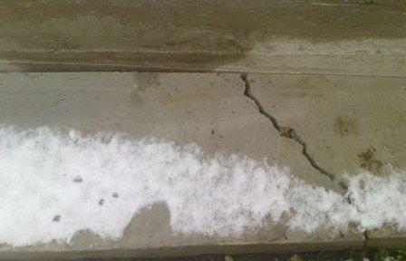 влага разрушает стены дома