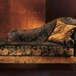 Кушетка со спинкой – всегда востребованный предмет мебели