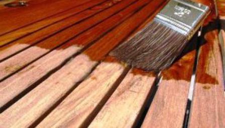 Как самостоятельно залакировать древесину