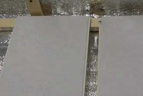 Отделка стен пластиковыми панелями фото