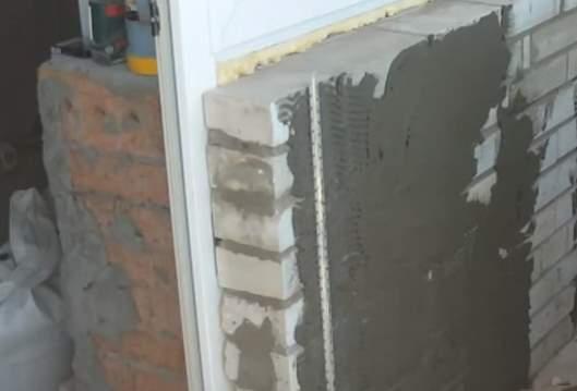 Оштукатуривание стен из силикатного кирпича