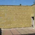 Работы по утеплению стен деревянного дома снаружи минеральной ватой под сайдинг