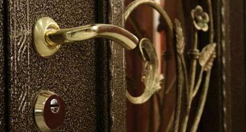 стальная дверь фото