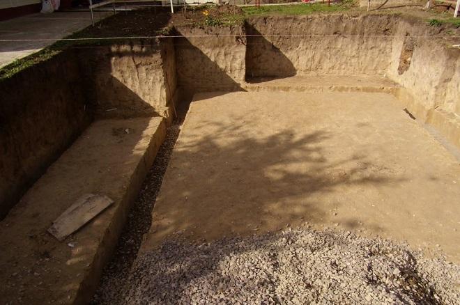 Котлован и песчано-гравийная подушка