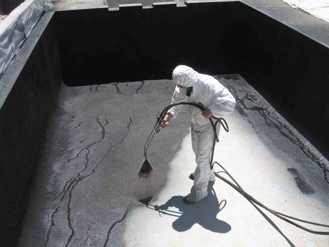 Заливка стен бассейна и гидроизоляционные работы
