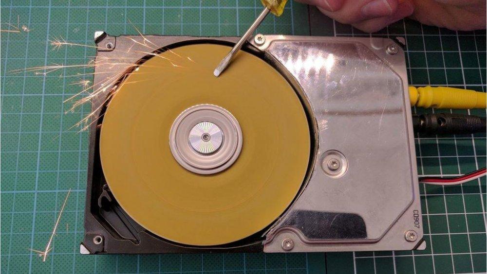 Шлифовальная машинка из HDD