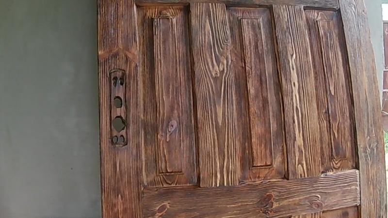 Брашированная дверь