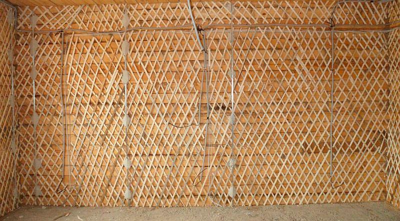 Обшивка стен дранкой