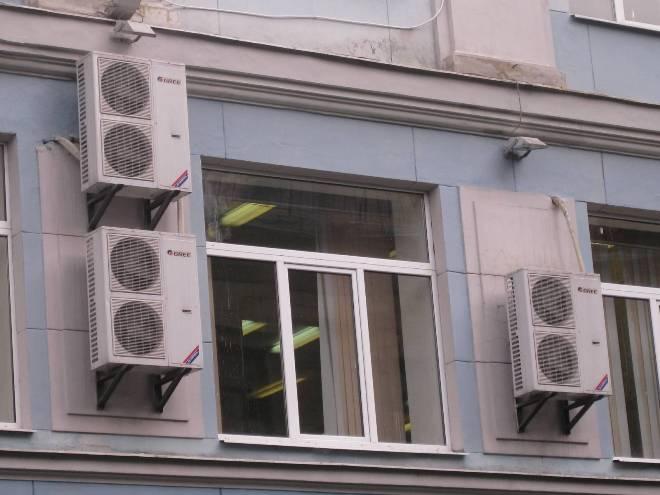 Плачущие фасады офисных зданий