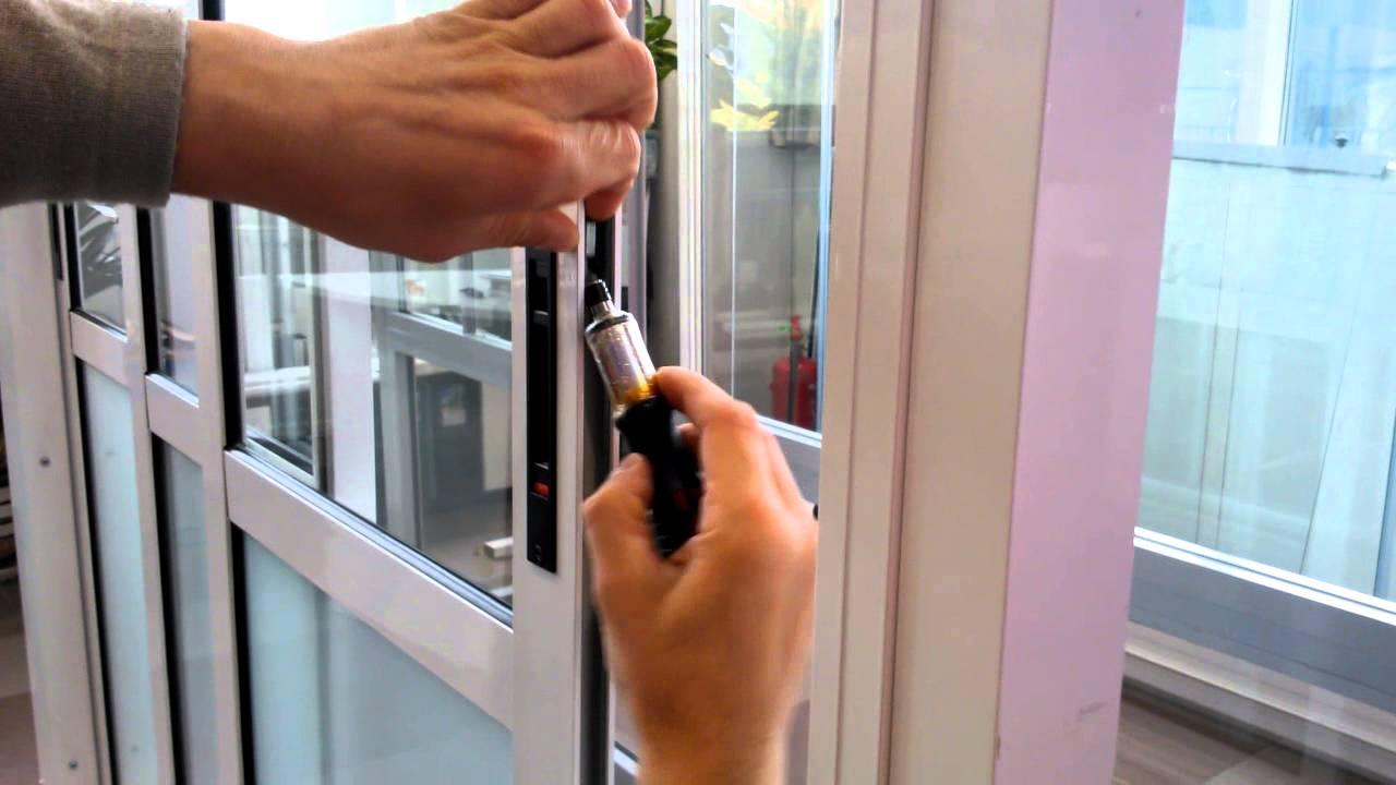 Ремонт пластиковой двери