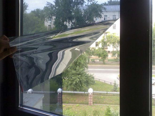 Как затонировать стекло в квартире