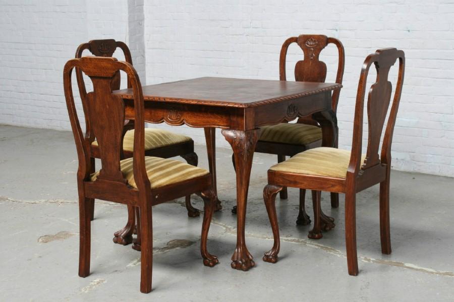Антикварные стол и стулья