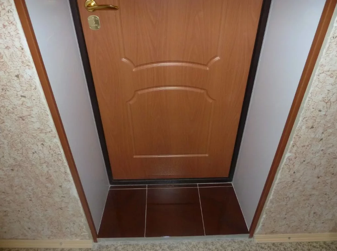 Как обшить дверь