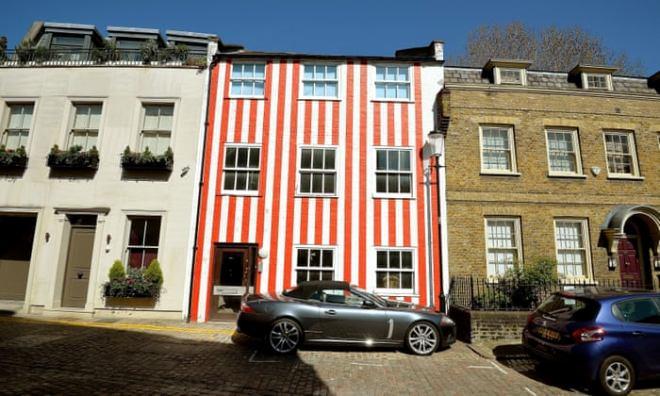 Все больше англичан хотят яркие красочные дома