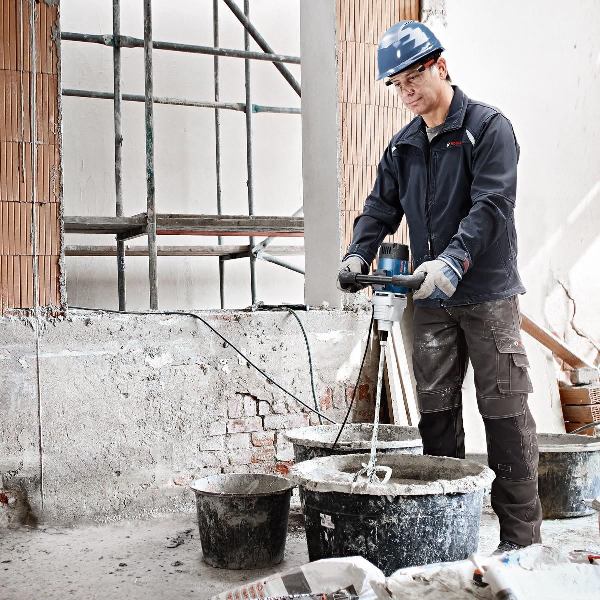 Использование строительного миксера