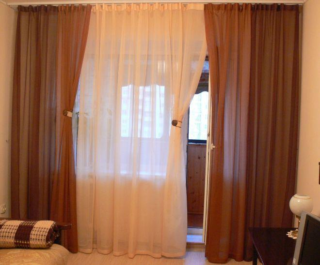 Шторы в комнату с балконом